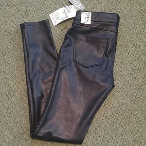 Black faux leather appearance jeggings